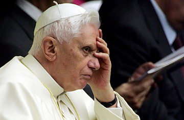 Image of facepalming Ratzinger.